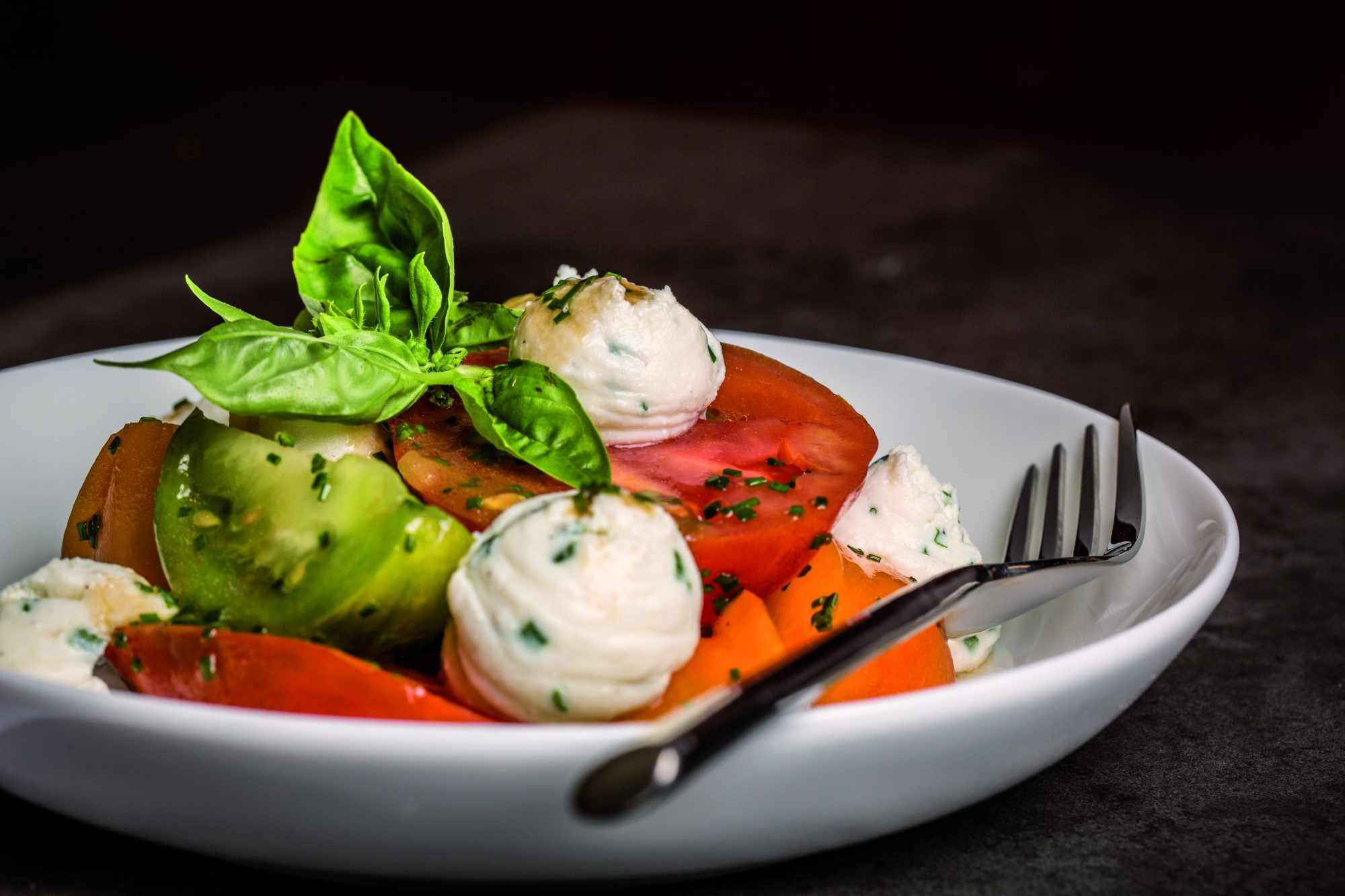 salade tomates brousse de chevre_cafearsene_creditCREAZZ